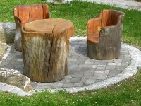 Holzstühle im Garten, Prinzenhof