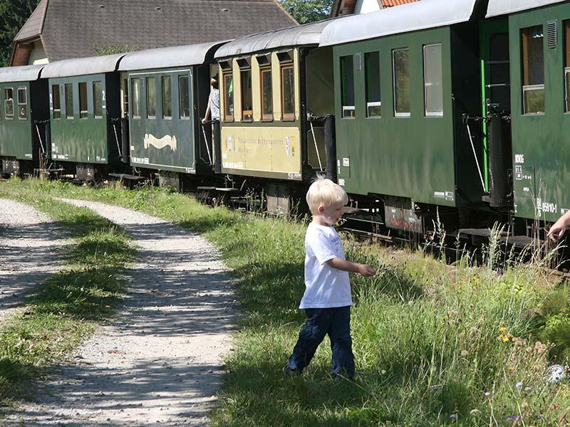 Waldviertelbahn mit Speisewagerl (c)Foto waldsoft